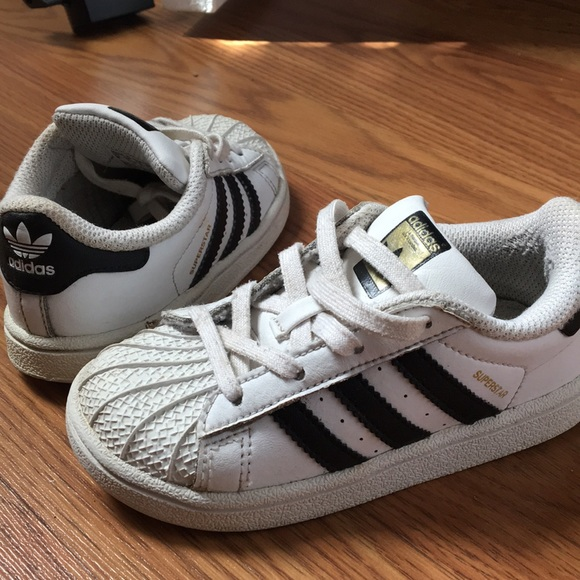 official photos d99f2 c39e7 Adidas superstar size 8 preschool / toddler